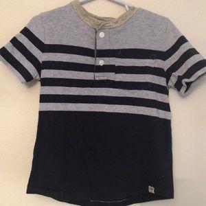 Gap button down T-shirt